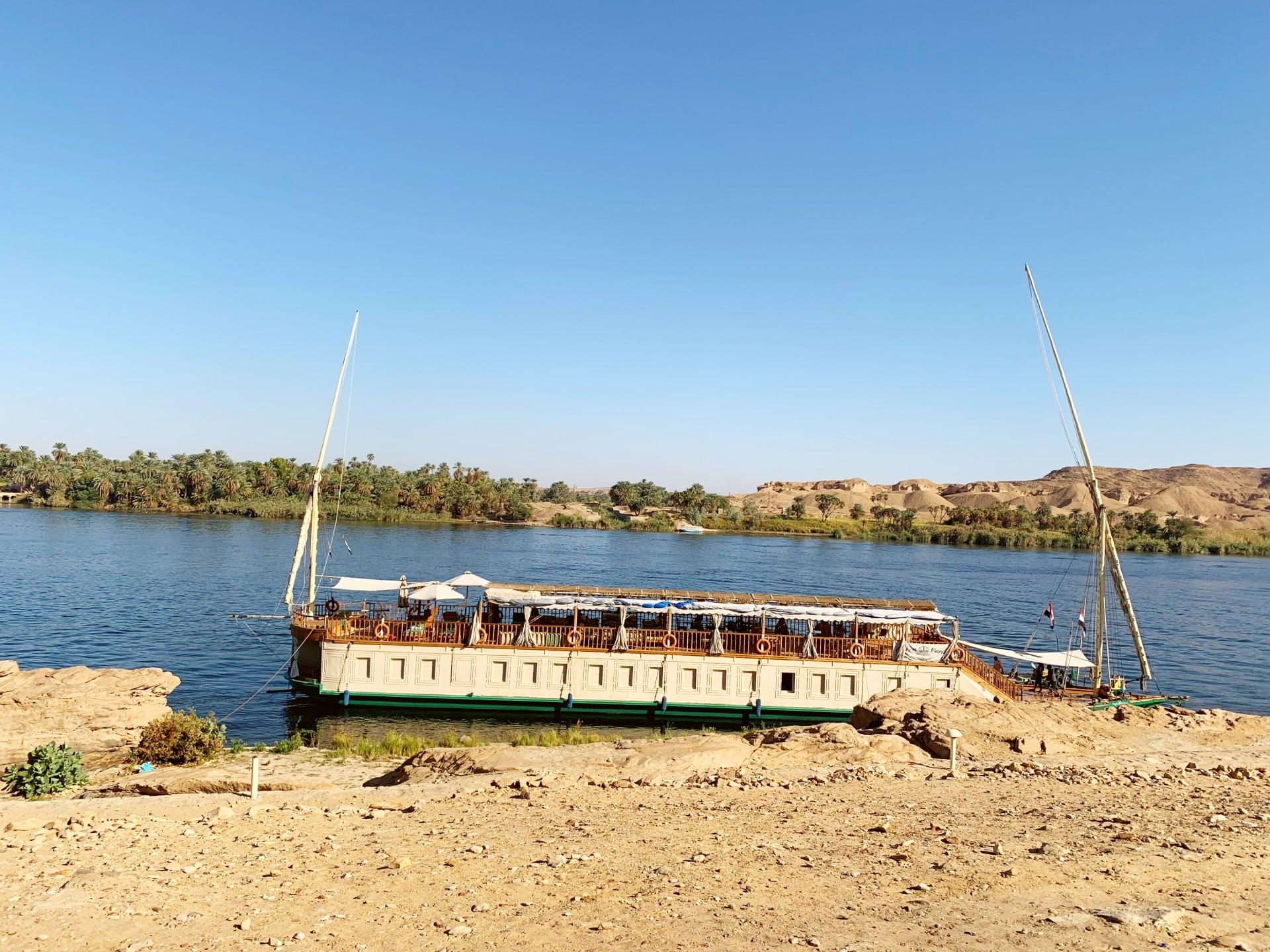 Croisière luxe sur le Nil I Virginie et Thierry Karikesse Octobre 2010