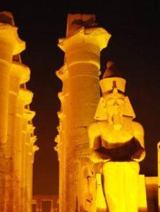 Statue Colossale de Ramsès II au Temple de Louxor