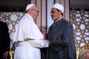 Le Pape François dit «Aucune violence ne peut être perpétrée au nom de Dieu»