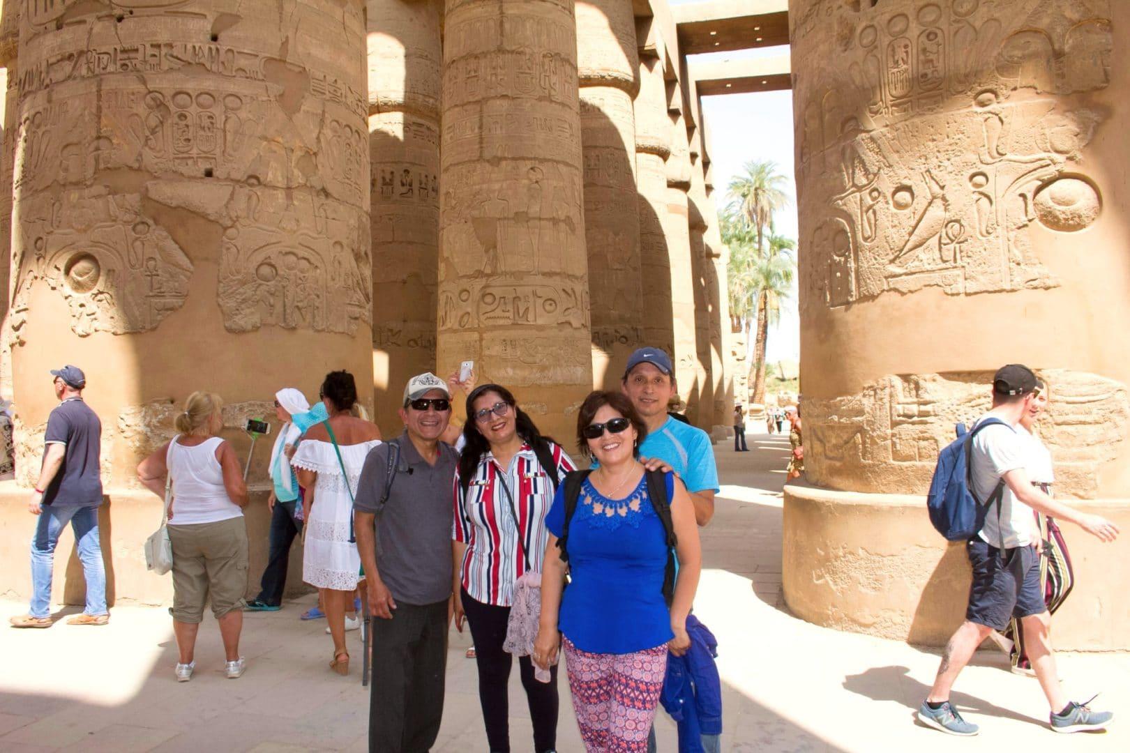 Croisière luxe Egypte | Le professionnalisme de M. Amro et tous les guides (Mohamed au sud et Ali au Caire), les conducteurs