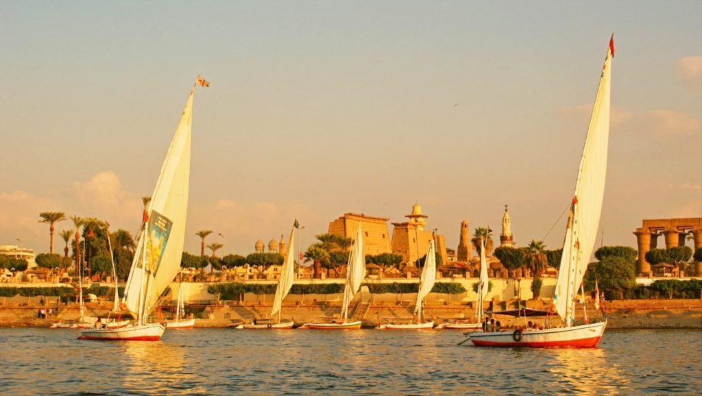 Croisière sur le Nil et le Caire I Dominique et le groupe 2005
